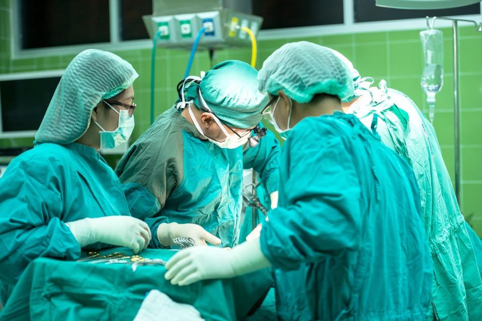 carcinoma epatocellulare, tumore al fegato, trapianto, fegato, efficacia, sopravvivenza,